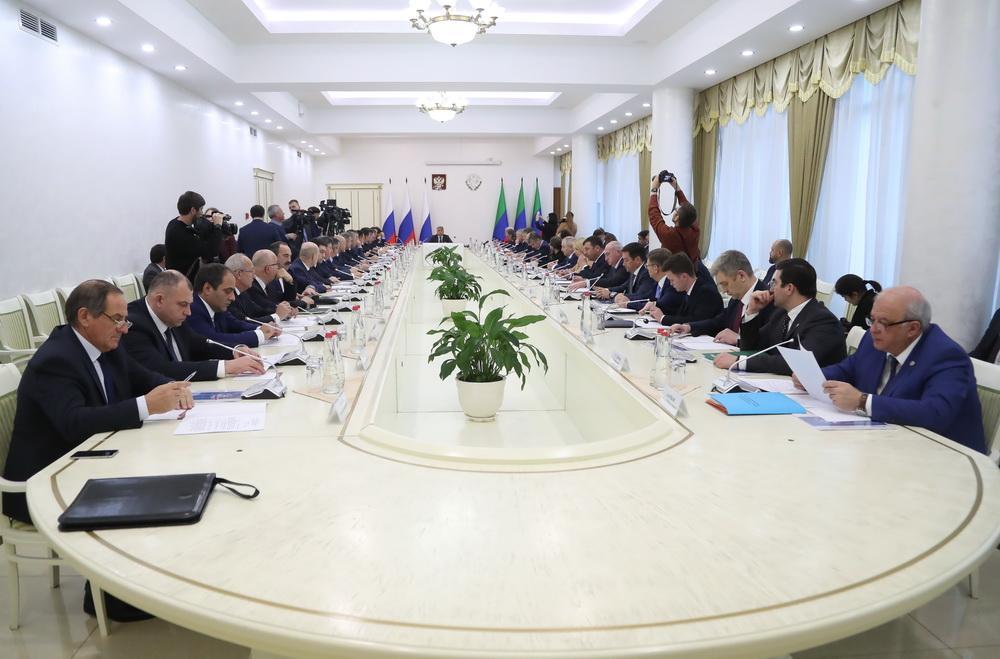 В Махачкале прошло очередное заседание совета при полномочном представителе Президента РФ в СКФО